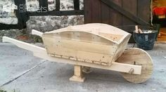 Pallet Wheelbarrow Used as a Planter