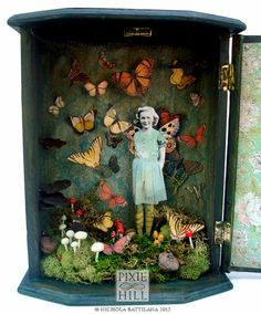 The Butterfly Conservatory - Upcycled thrift store jewelry box by Nichola Battil. - The Butterfly Conservatory – Upcycled thrift store jewelry box by Nichola Battilana - Shadow Box Kunst, Shadow Box Art, Arts And Crafts Movement, Altered Boxes, Altered Art, Collage Art, Collages, Paper Art, Paper Crafts