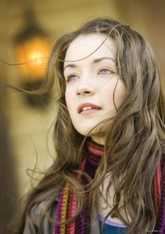 sarah bolger....love her hair :) which is good, cause it's the same as my natural color!