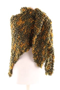 Wolle Shawls, Different Colors, Scarves, Colours, Scarf Crochet, Wool, Handarbeit, Breien, Scarfs