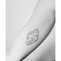 Minerale tattoo #ink #tattooed #tattooartist #tattooart #tattoo #tattoos #tattooworld #tattoowork #tatouage #tatuajes #tatuaje #stone #stonetattoo #mineraletattoo #minerale #linetattoo #line #geometrictattoo #geometric #blacktattoo #blackandwhitephotography #blacktattooart