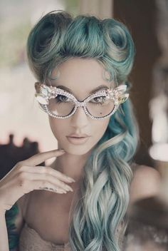 Peinados Retro Estilo Pin-Up Cabelo Pin Up, Peinados Pin Up, Pin Up Hair, My Hair, Vintage Hairstyles, Cute Hairstyles, Halloween Hairstyles, Steampunk Hairstyles, Hairstyle Ideas