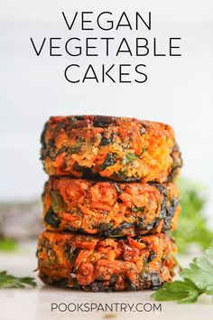 Vegan veggie cakes with chia seeds carrots and greens come together in 30 minutes for a quick and delicious meal. Veggie Cakes, Vegetable Cake, Vegetable Dishes, Vegan Dinner Recipes, Veggie Recipes, Vegetarian Recipes, Fast Recipes, Vegetarian Platter, Vegan Meals
