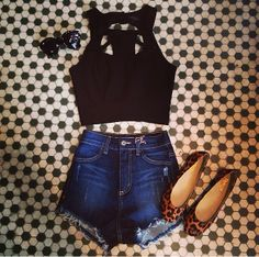 Our Whitney crop is TO DIE FOR!! Shop online at www.Blushandbashfulboutique.com or in store. #ShopBandB