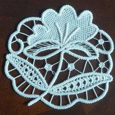 Needlepoint Patterns, Crochet Stitches Patterns, Fabric Patterns, Dress Patterns, Easy Crochet, Crochet Hooks, Crochet Doilies, Romanian Lace, Russian Crochet