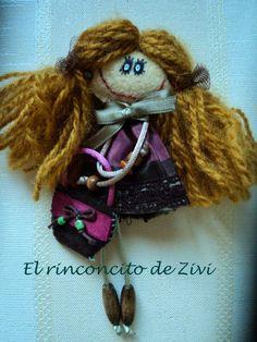 El Rinconcito de Zivi: broches muñequitas hechas de fieltro- handmade dol...