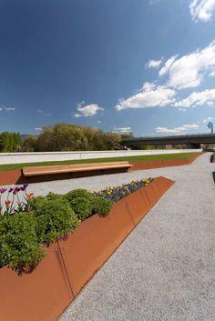 Donaupark-09-Deichgaerten_Lichtschwaermer « Landscape Architecture Works | Landezine