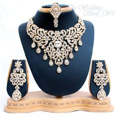 cool Elegant Bridal Set Heavy Gold Plated Diamante Crystal Vintage Indian Jewelry Necklace Earrings & Tikka Wedding Jewellery Party Prom by post_link Indian Wedding Jewelry, Wedding Jewelry Sets, Jewelry Party, Wedding Accessories, Indian Weddings, Bollywood Jewelry, India Jewelry, Girls Jewelry, Gold Fashion