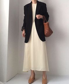 Minimal Fashion, Work Fashion, Modest Fashion, Fashion Looks, Mode Outfits, Stylish Outfits, Fashion Outfits, Womens Fashion, Fashion Trends