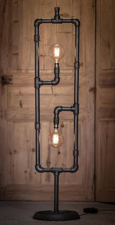 Give Your Rooms Some Spark With These Easy Vintage Industrial Furniture and Design Tips Do you love vintage industrial design and wish that you could turn your home-decorating visions into gorgeous reality? Industrial Design Furniture, Industrial Interiors, Vintage Furniture, Steampunk Furniture, Room Paint, Home Improvement Projects, Furniture Projects, Light Fixtures, Decoration