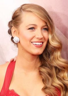 The Prettiest Celeb Hair and Makeup Looks to Steal for Prom - Blake Lively's Old Hollywood Waves from #InStyle