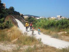 La familia, las bicis y el Parque Natural del Turia
