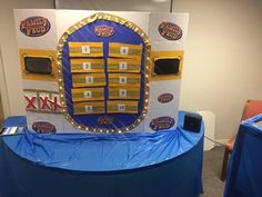 68 Trendy Diy Minute To Win It Games Family Reunions Family Feud Game Questions, Family Feud Board Game, Family Games, Family Family, Youth Group Games, Youth Groups, Youth Activities, Family Game Night, Night Kids