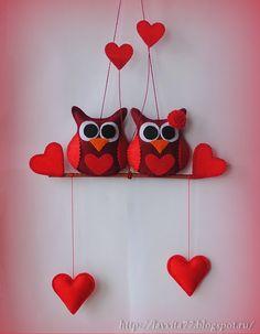 Вышивка и рукоделие.: Влюбленные совы Felt Decorations, Valentines Day Decorations, Valentine Day Crafts, Pochette Diy, Diy Crafts Hacks, Fabric Birds, Sewing Projects For Beginners, Felt Christmas, Bottle Crafts