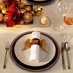 Tischdeko für Weihnachten: Festliche Tischdekoration mit Kugeln - Wohnen & Garten