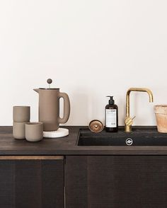 Earthy hues and raw textures make a great couple in the @kinfolk kitchen.