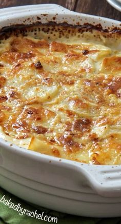 """Four Cheese Garlic Scalloped Potatoes - Noooo! These are """"Au Gratin"""" not """"Scalloped!"""" But they do sound delicious by any name. Potato Side Dishes, Vegetable Side Dishes, Vegetable Recipes, Great Recipes, Favorite Recipes, Holiday Recipes, Scalloped Potato Recipes, Cheese Scalloped Potatoes, Scallop Potatoes"""
