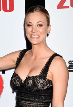 Kaley Cuoco And Her Cleavage Stole The Show At 'The Big Bang Theory' Episode Celebration Beautiful Celebrities, Beautiful Actresses, Gorgeous Women, Kaley Cuoco Body, Kaley Cuocco, Big Bang Theory Penny, Amanda Bynes, Woman Crush, Celebrity Pictures