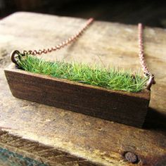 Wood and grass necklace - Cute Little Finds