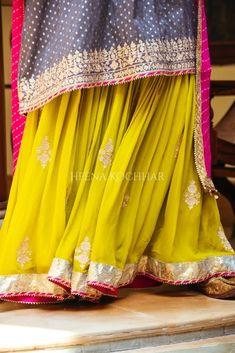 Party Wear Indian Dresses, Indian Bridal Outfits, Pakistani Bridal Dresses, Indian Fashion Dresses, Designer Punjabi Suits, Indian Designer Wear, Dps For Girls, Indian Wear, Indian Suits