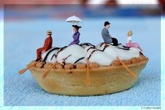 ♀️♀️PHOTOGRAPHY : LITTLE PEOPLE / MINATURE SCENES / MACRO PHOTOGRAPHY / SCALE 1/87 HO / TANAKA TATSUYA / DIORAMA♀️♀️♀️More Pins Like This At FOSTERGINGER @ Pinterest ♂️