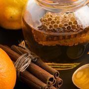 Egy hatékony nyaktorna, amitől a szédülésed és a fejfájásod is elmúlhat Herbalism, Honey, Keto, Therapy, Food, Meal, Essen, Hoods, Counseling