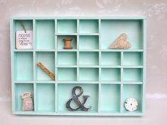 schmuckschatulle an der wand aus setzkasten mit schubladen aus verpackungskarton bastelsachen. Black Bedroom Furniture Sets. Home Design Ideas
