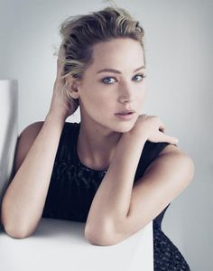 Jennifer Lawrence Stuns in New Dior Campaign!: Photo Jennifer Lawrence holds her purse close while posing for these gorgeous new images released as part of the new Be Dior campaign. The Hunger Games:… Katniss Everdeen, Paolo Roversi, Jennifer Lawrence Dior, Jennifer Lawrence Photoshoot, Jennifer Lawrence Wallpaper, Poses, Girl Film, The Hunger Games, Femmes Les Plus Sexy