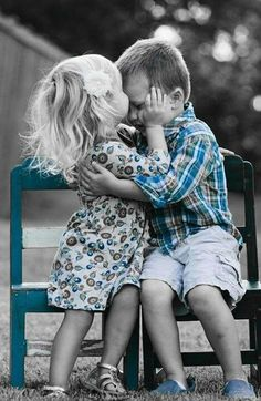 Sé que ni todos los besos mágicos del mundo le habrían ayudado hoy, pero no sé de qué sería capaz por haber podido dárselo.# Besos #vientos del alma#