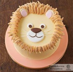 Easy Cake Decorating Themes And Ideas Cake Decorating Techniques, Cake Decorating Tips, Pretty Cakes, Cute Cakes, Lion Cakes, Character Cakes, Novelty Cakes, Creative Cakes, Themed Cakes