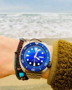 Welches Modell ist eurer Favorit - Lilly is Love Models, Wood Watch, Rolex Watches, Your Favorite, Clock, Bracelets, Dame, Bracelet Watch, Accessories