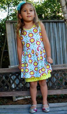 Peep hem dress: free sewing pattern and tutorial, size 5 Little Girl Dress Patterns, Sewing Patterns For Kids, Dress Sewing Patterns, Little Girl Dresses, Girls Dresses, Blouse Patterns, Skirt Patterns, Coat Patterns, Purse Patterns