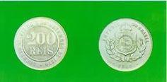 História do Dinheiro no Brasil 200 Réis  A necessidade de que as moedas fossem duráveis levou ao aparecimento de ligas modernas, próprias para suportar a passagem de mão em mão do dinheiro usado para troco. Depois do bronze, foi introduzido, em 1871, o cuproníquel – liga de cobre e níquel.