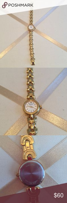 Women's Bulova watch ⌚️ Beautiful watch. Gold bracelet. Stainless steel. Water resistant. Excellent condition. Will give with working battery. Bulova Accessories Watches