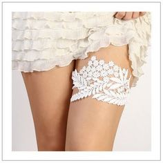 FINALLY!  A garter that sits flat on the leg... could be worn under any style dress and probably not be noticed (I couldn't wear one because it had texture to it).
