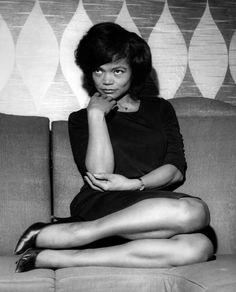 Unknown Black and White Photograph - Eartha Kitt Candid Fine Art Print Vintage Black Glamour, Vintage Beauty, Divas, Eartha Kitt, Black Actresses, Provocateur, Thing 1, Classic Beauty, Black Beauty