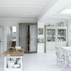 Küchen Küchenideen Küchengeräte Wohnideen Möbel Dekoration Decoration Living Idea Interiors home kitchen - Weiße moderne Wohnküche