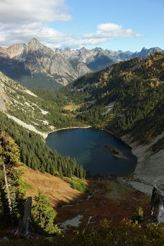 North Cascades in Wa- oh how i miss theee! lake ann from maple pass loop trail, north cascades, washington warmsummernight Beautiful World, Beautiful Places, Beautiful Scenery, Beautiful Pictures, Places To Travel, Places To See, Places Around The World, Around The Worlds, North Cascades National Park