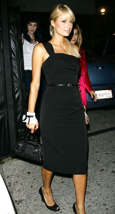 Paris Hilton hits the nightclubs in a black dress, 22.8.2007