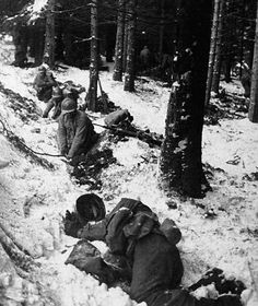 DEC 27 1944 101st Airborne morale high as Bastogne is 'relieved' - See more at: http://ww2today.com/27-december-1944 U.S. troops pinned down in the Ardennes by German troops -  December 1944  U.S. Army