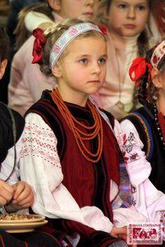 Ukrainian // http://media-cache-ec3.pinimg.com/originals/d0/15/e9/d015e9e3402076373c211dbafe4bf2f7.jpg