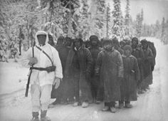 Talvisota/Winter war - Raatteen tien taistelualueelta otettuja sotavankeja. Kuva: Erkki Sortila. - Battle of Raate Road, Russian war prisoners, Finland, photo by Erkki Sortila