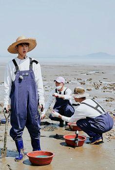 B.I (Han bin) xD ^^ ♡ iKON ♡ #iKON_Bi #kpop Kim Hanbin Ikon, Ikon Kpop, Chanwoo Ikon, Bobby, Yg Entertaiment, Ikon Member, Ikon Wallpaper, Hip Hop, Kdrama Actors