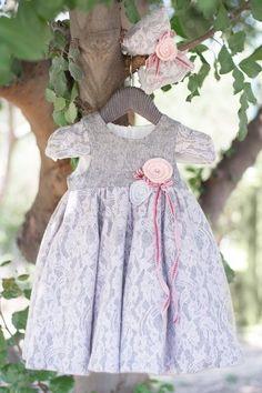βαφτιστικα ρουχα,bambolino,πακετα βαπτισης σε οικονομικες… Baptism Outfit, Baptism Clothes, Girls Dresses, Flower Girl Dresses, Winter Outfits, Winter Clothes, Princess, Wedding Dresses, Crochet