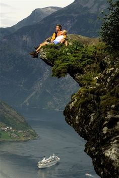 Lysefjord, Norway, Beautiful view but my stomach falls to my feet just looking at this pic!