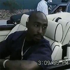 Where was he going? I wonder. Hip Hop And R&b, Hip Hop Rap, Tupac Videos, Tupac Art, Tupac Pictures, Tupac Makaveli, Attitude, Best Rapper, Tupac Shakur