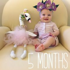 Simply Kimberly | Baby Milestone | Milestone Pictures | Monthly Baby Pictures | Watch Me Grow | Baby