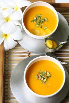 Mango mousse with Saffron And Pistachio