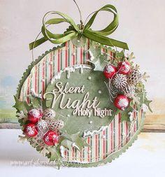 Jestem przeciwna tak wczesnemu robieniu kartek świątecznych,   ale zasypują nas nowości i nie można się opanować.      Na razie tylko dwi...