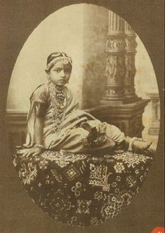 38 ideas photography vintage portrait beautiful women for 2019 Isadora Duncan, Vintage Photographs, Vintage Photos, Vintage Portrait, Old Pictures, Old Photos, Indian Photoshoot, History Of India, Vintage India